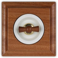 Fontini Venezia włącznik dźwigniowy w drewnianej kwadratowej ramce