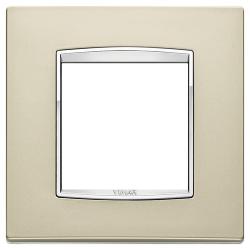 Ramka Vimar Eikon Chrome Classic, satynowy nikiel, metal rafinowany, 2M